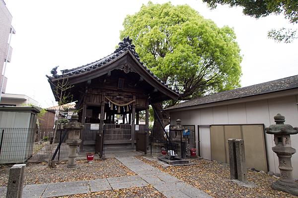 大生稲荷神社参道と拝殿