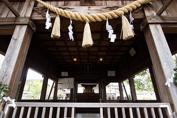 大生稲荷神社拝殿から本社