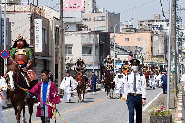 桃花祭馬のパレード