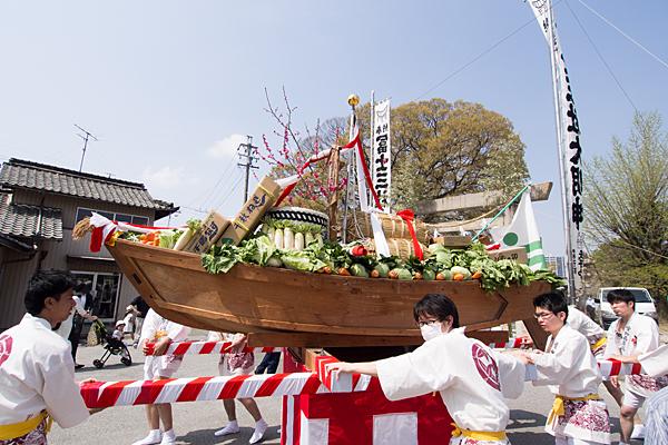 桃花祭奉納舟