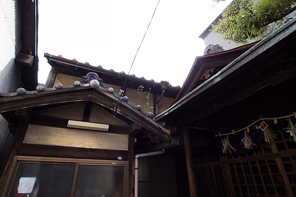 笠取町天王社日本家屋の屋根