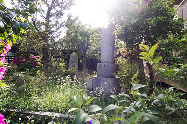 円福寺石塔