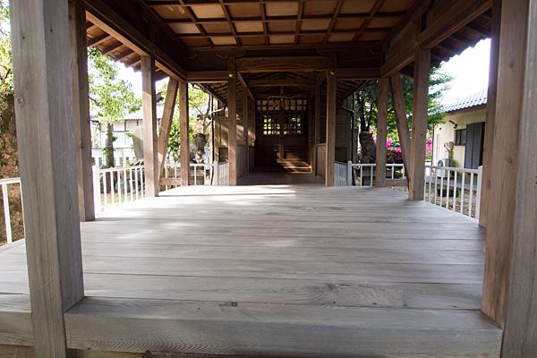 新福寺八幡社拝殿内