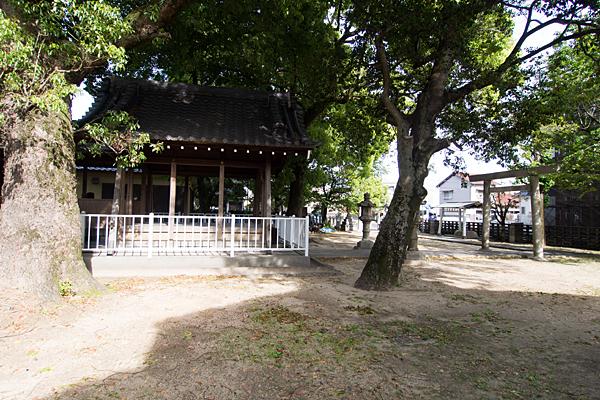 新福寺八幡社境内の風景