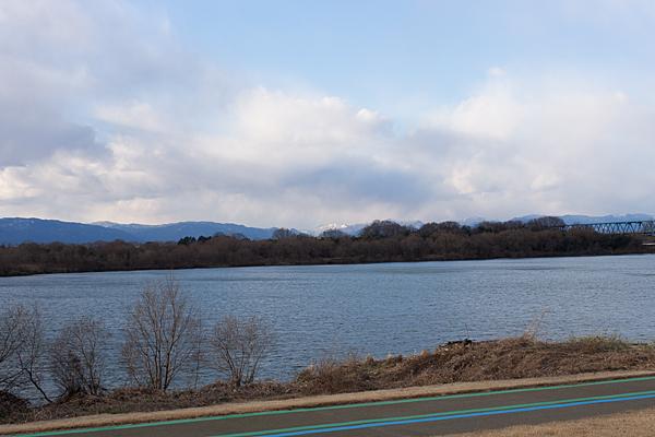 木曽川冬の風景