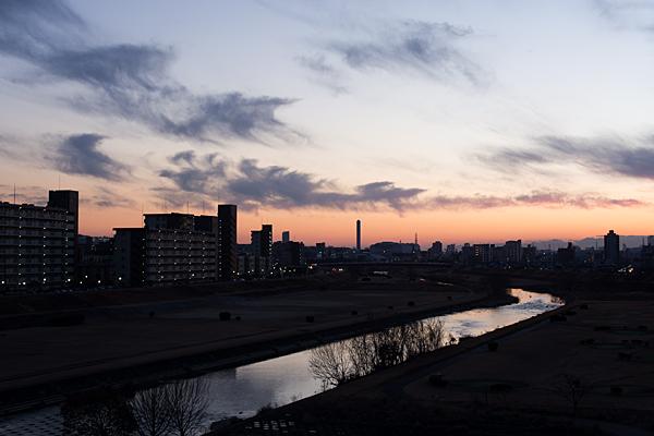 矢田川冬の夕暮れ