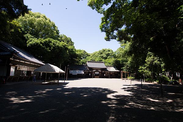 高座結御子神社境内の風景