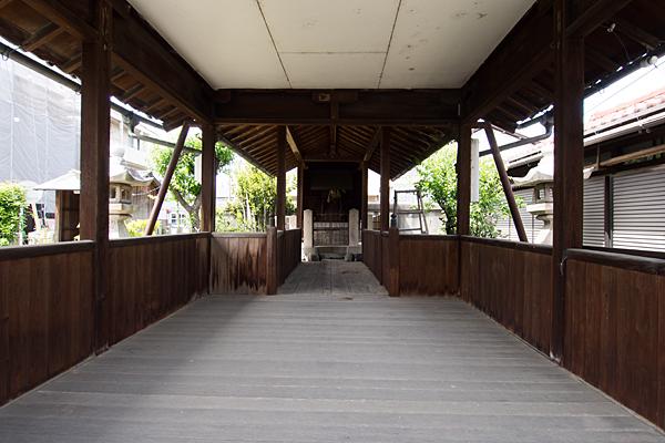 武島天神社拝殿内