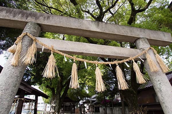 堀越神明社鳥居と注連縄
