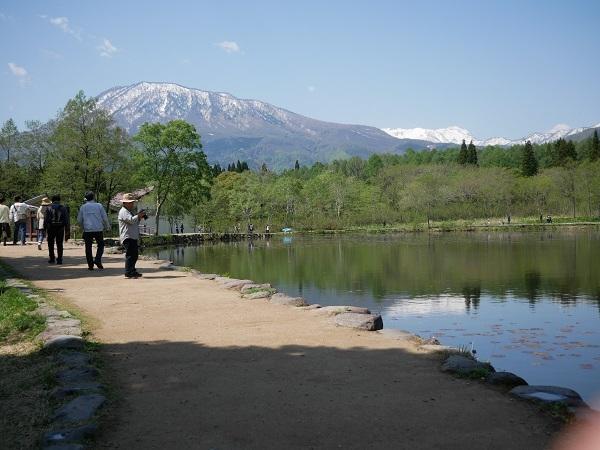 いもり池と黒姫山