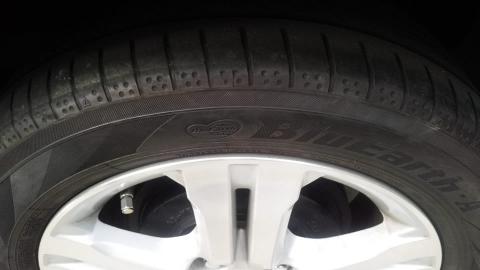 タイヤの溝、ダメですかねぇ~(笑)?