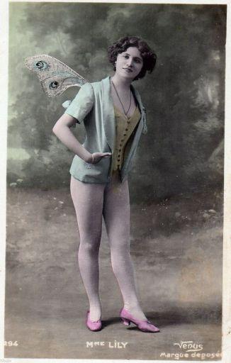 149576c12479b9cc7a1f9695d3ca35e2--human-poses-vintage-fairies_512.jpg