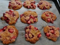 イチゴの生クッキー