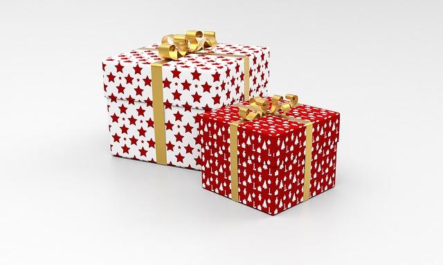 present-1893640_640.jpg