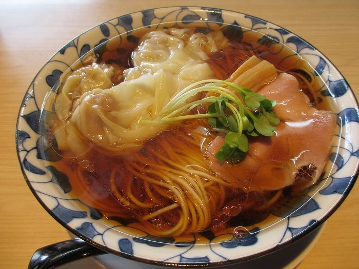 清水保内 ワンタン麺