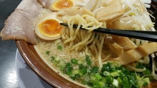 万人家中山 特製ラーメン 麺スープ