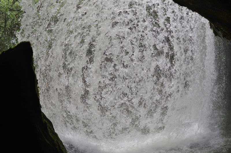 鍋ケ滝04 (800x533)