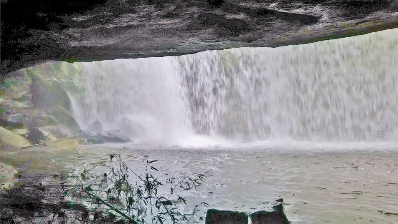 鍋ケ滝05 (800x450)