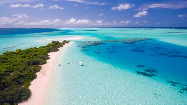maldives-1993704__340.jpg