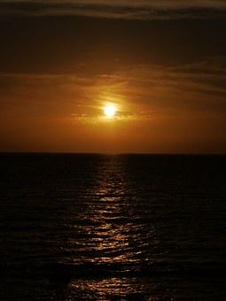sunset-162632__340.jpg