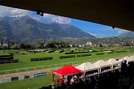 メラーノ競馬場の風景