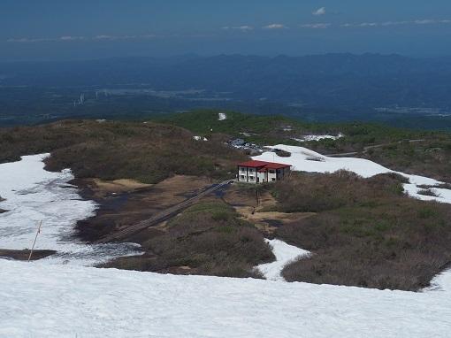 祓川山荘を俯瞰する
