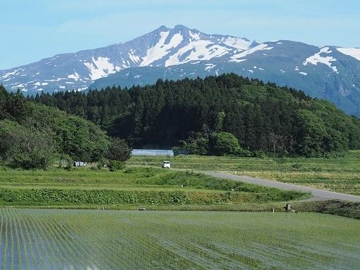 下山後に晴れている鳥海山