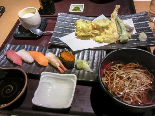 300330_Lunch.jpg