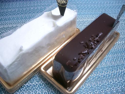 300506_Cakes.jpg
