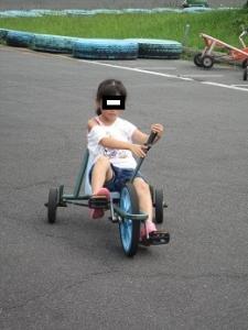 長女 面白自転車