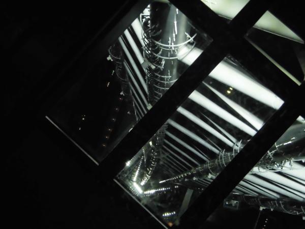 ガラス床2