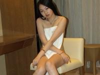 ロングヘアーでスレンダー微乳な中国美女を撮影したプライベートヌード画像
