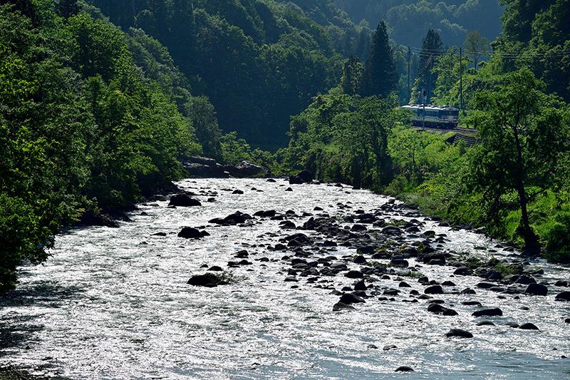 oosirakawa