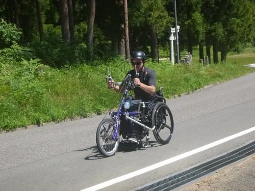 ハンドバイク Hくん