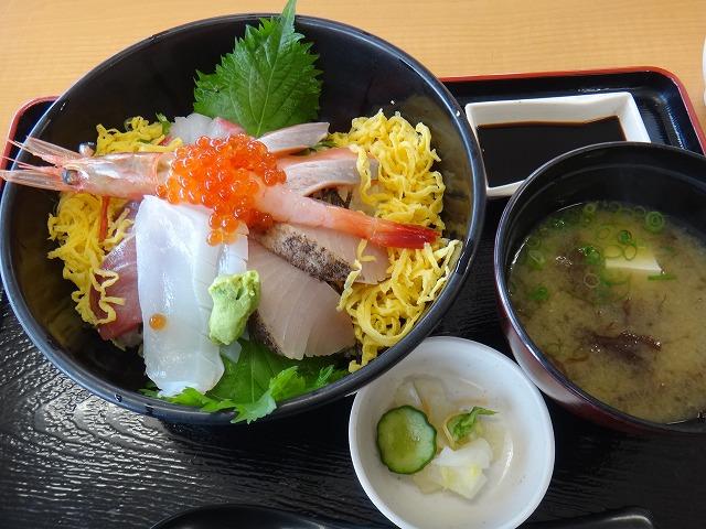 s-11:38海鮮丼