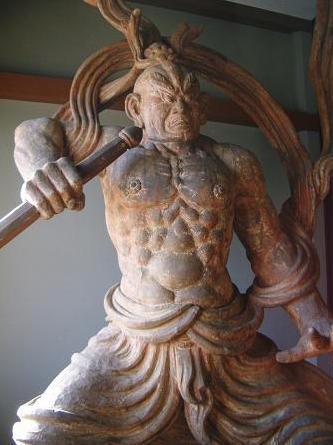 池上本門時にある仁王像のモデルは、アントニオ猪木?