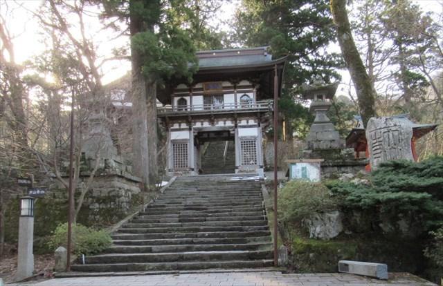 大山寺本堂1