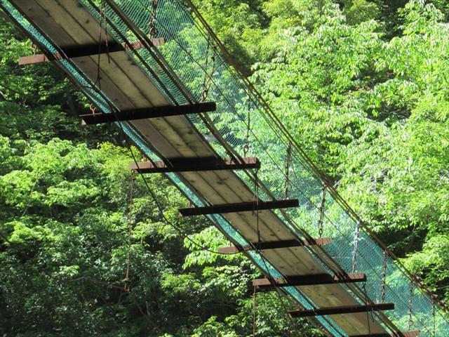 板取キャンプ場の吊橋3