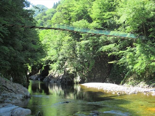 板取キャンプ場の吊橋1