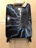 新スーツケース裏180409