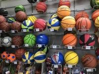 家楽福のバスケットボール売り場180512