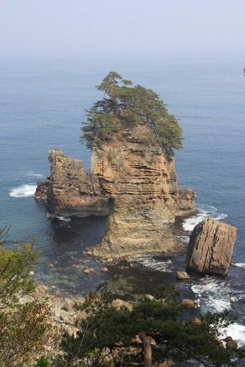 三王岩の横顔