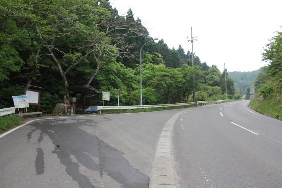 県道44号沿いの幸福の水