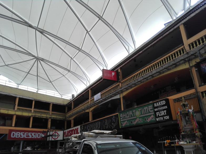 ナナプラザの屋根が完成したので昼間に見てきた