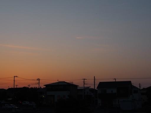20180515・夕焼けと飛行機雲16・大