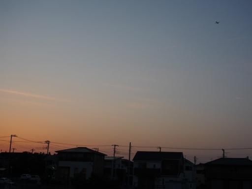 20180515・夕焼けと飛行機雲15・大