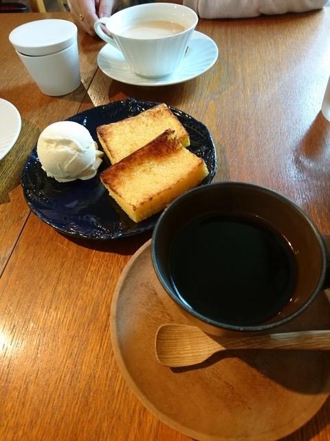 sナカオカフェでバターカステラとフレンチロースト