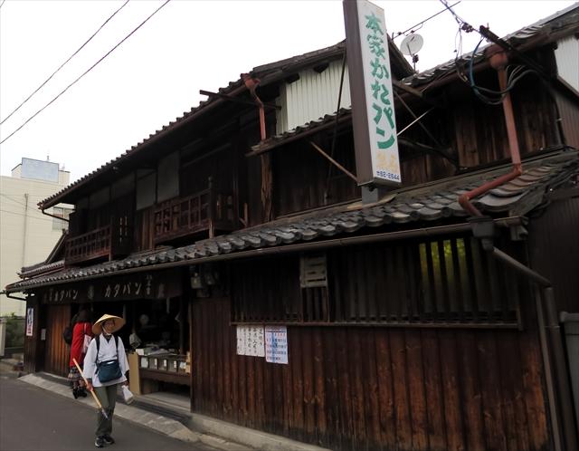 180427-堅パン熊岡菓子店-002-S