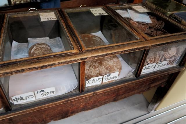 180427-堅パン熊岡菓子店-004-S