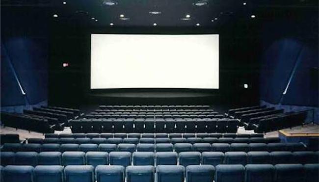 映画館「○○○○●○○○○」ワイ「空いてるなあ」